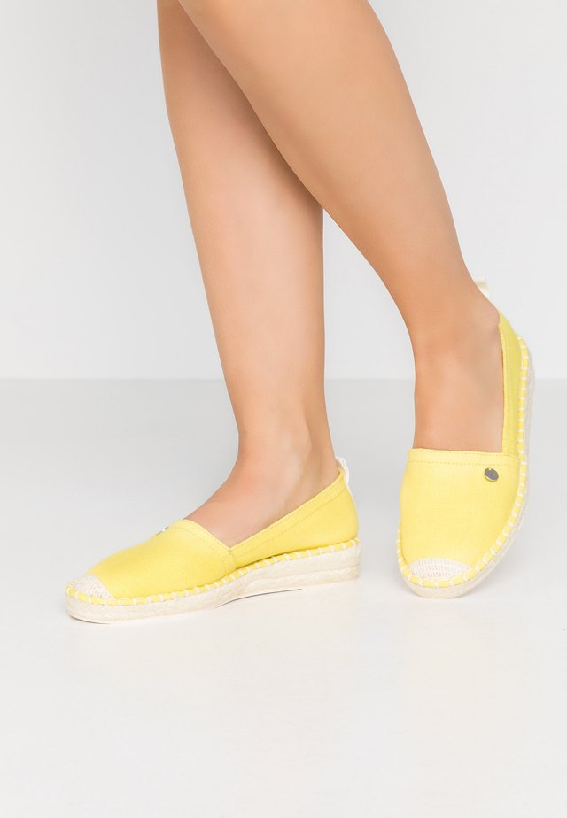 INES BASIC - Espadrilky - lime yellow