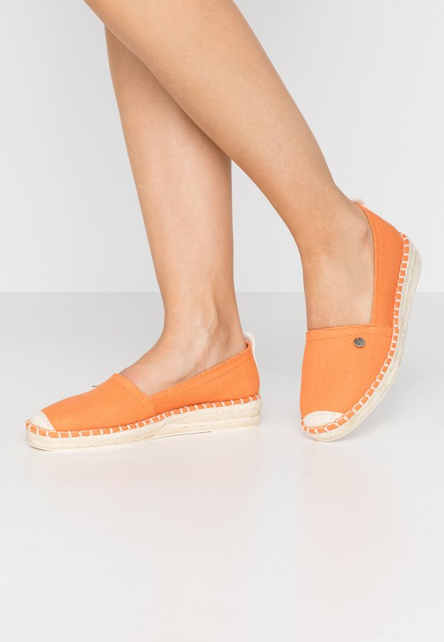 INES BASIC - Alpargatas - rust orange