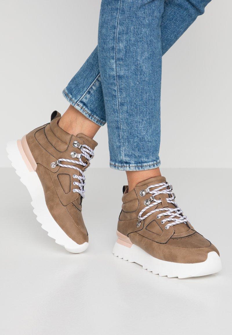 Esprit - MAYA HIKE  - Sneakers - khaki/beige