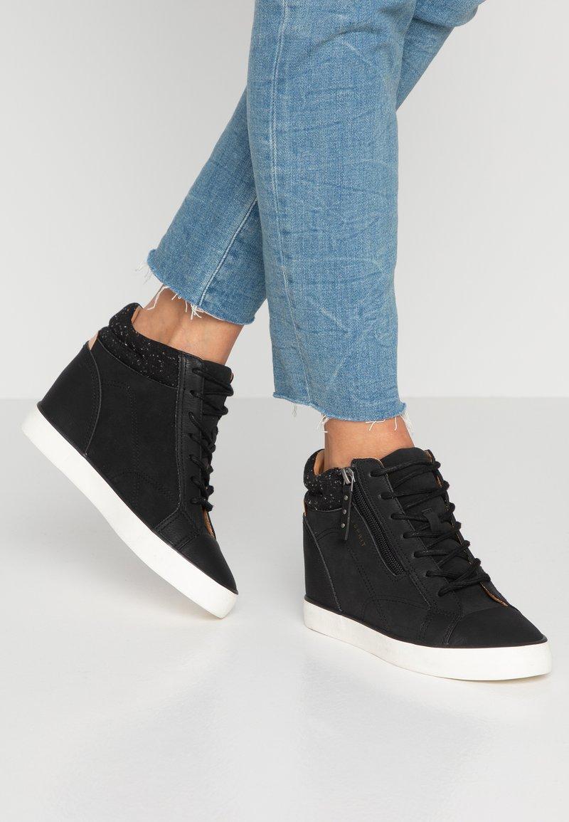 Esprit - STAR WEDGE - Sneaker high - black