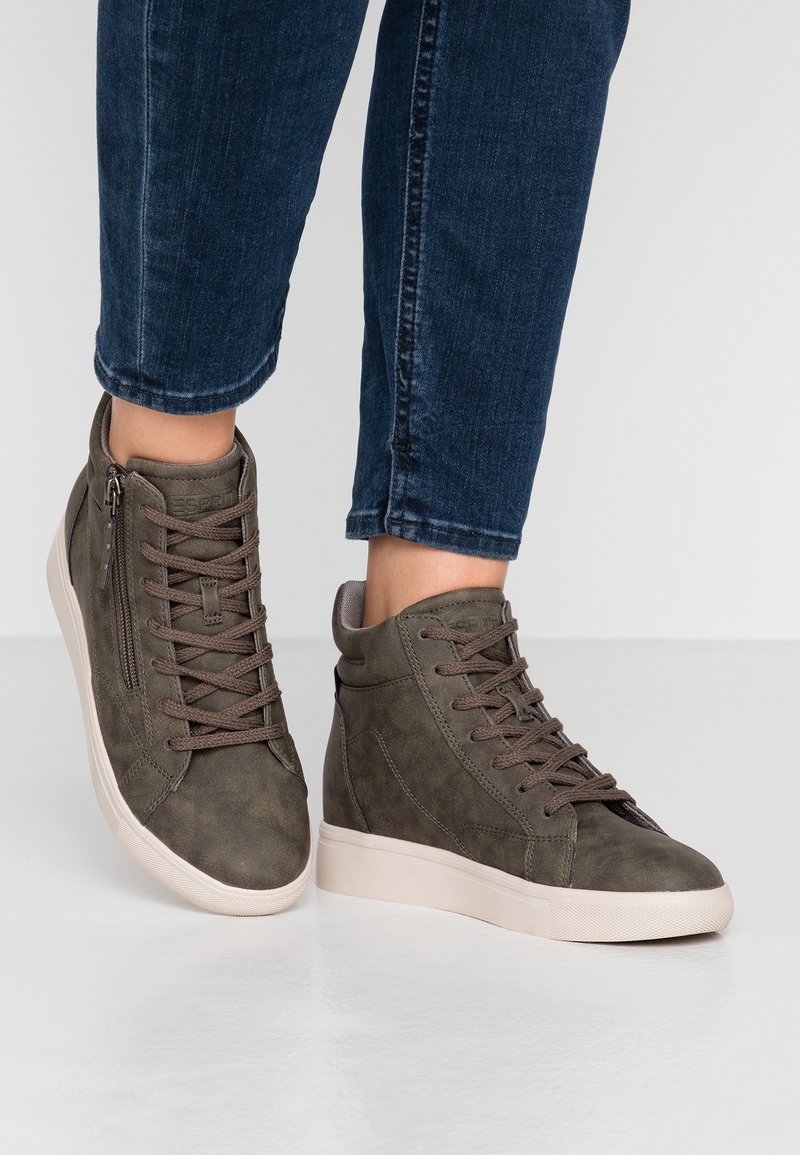 Esprit - LIZETTE WEDGE - Høye joggesko - khaki green