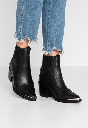 WHITLEY BOOTIE - Cowboy/biker ankle boot - black