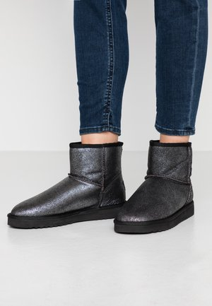 UMA LOW METALLIC - Classic ankle boots - silver