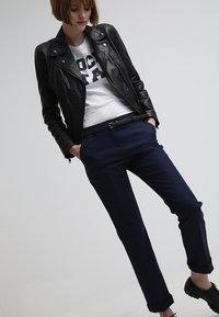Esprit - Spodnie materiałowe - cinder blue - 3