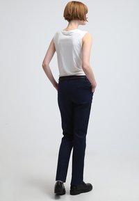 Esprit - Spodnie materiałowe - cinder blue - 2
