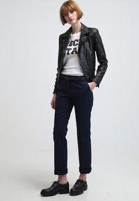 Esprit - Spodnie materiałowe - cinder blue - 1