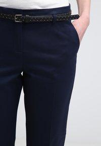 Esprit - Spodnie materiałowe - cinder blue - 4