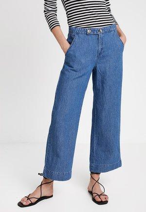 CROPPED WIDE - Pantaloni - blue medium wash