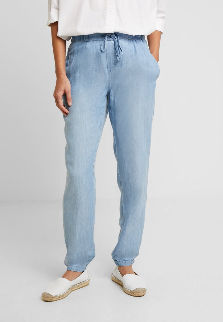 Esprit - PANTS - Stoffhose - blue light wash