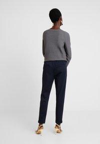 Esprit - Pantalones deportivos - navy - 2