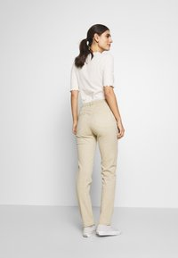 Esprit - MODERN - Jeans Tapered Fit - beige - 2