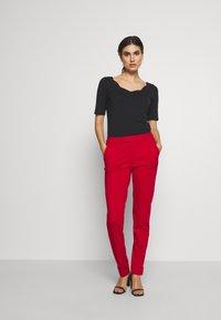 Esprit - SMART CHINO - Bukse - dark red - 1