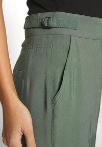 Esprit - UTILITY PANT - Bukse - khaki green - 4
