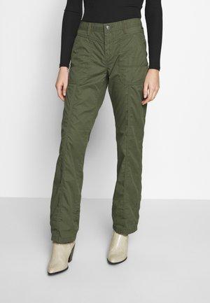 PLAY PANTS - Spodnie materiałowe - khaki green