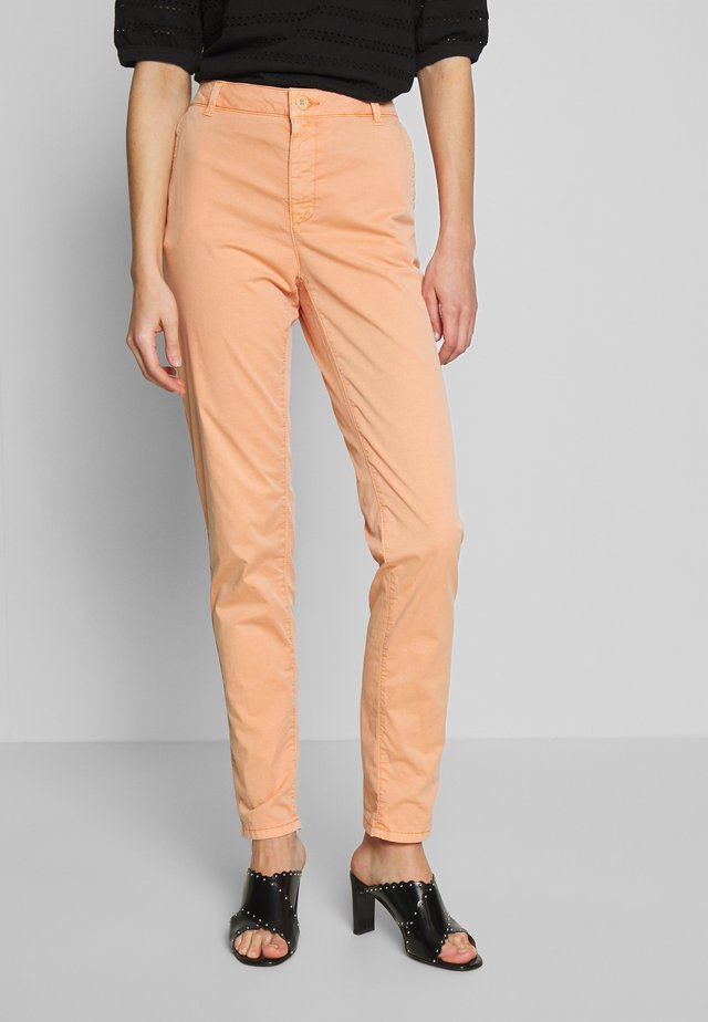 Pantalones chinos - rust orange
