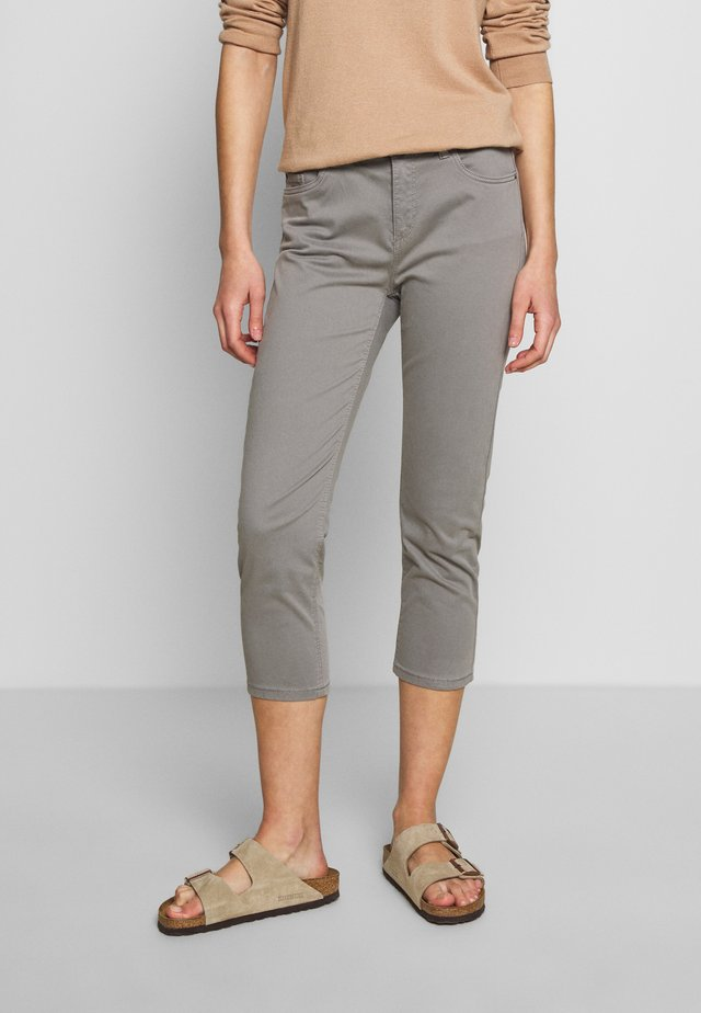 CAPRI - Slim fit jeans - light grey