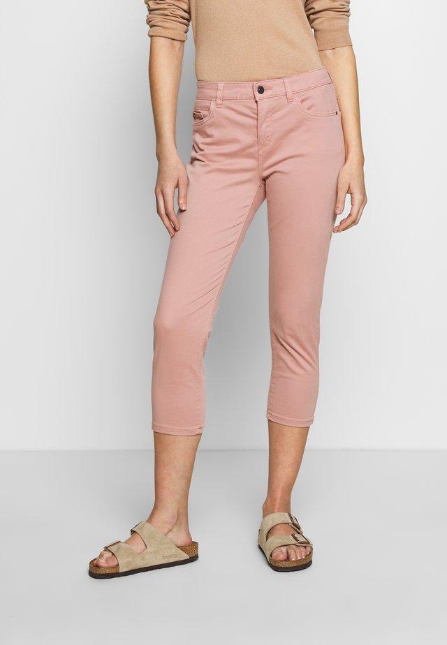 CAPRI - Slim fit jeans - old pink