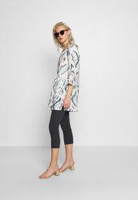 Esprit - CAPRI - Jeans slim fit - navy - 1