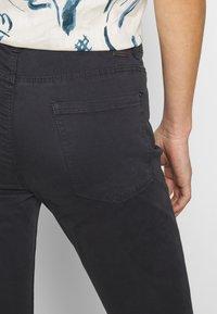 Esprit - CAPRI - Jeans slim fit - navy - 5