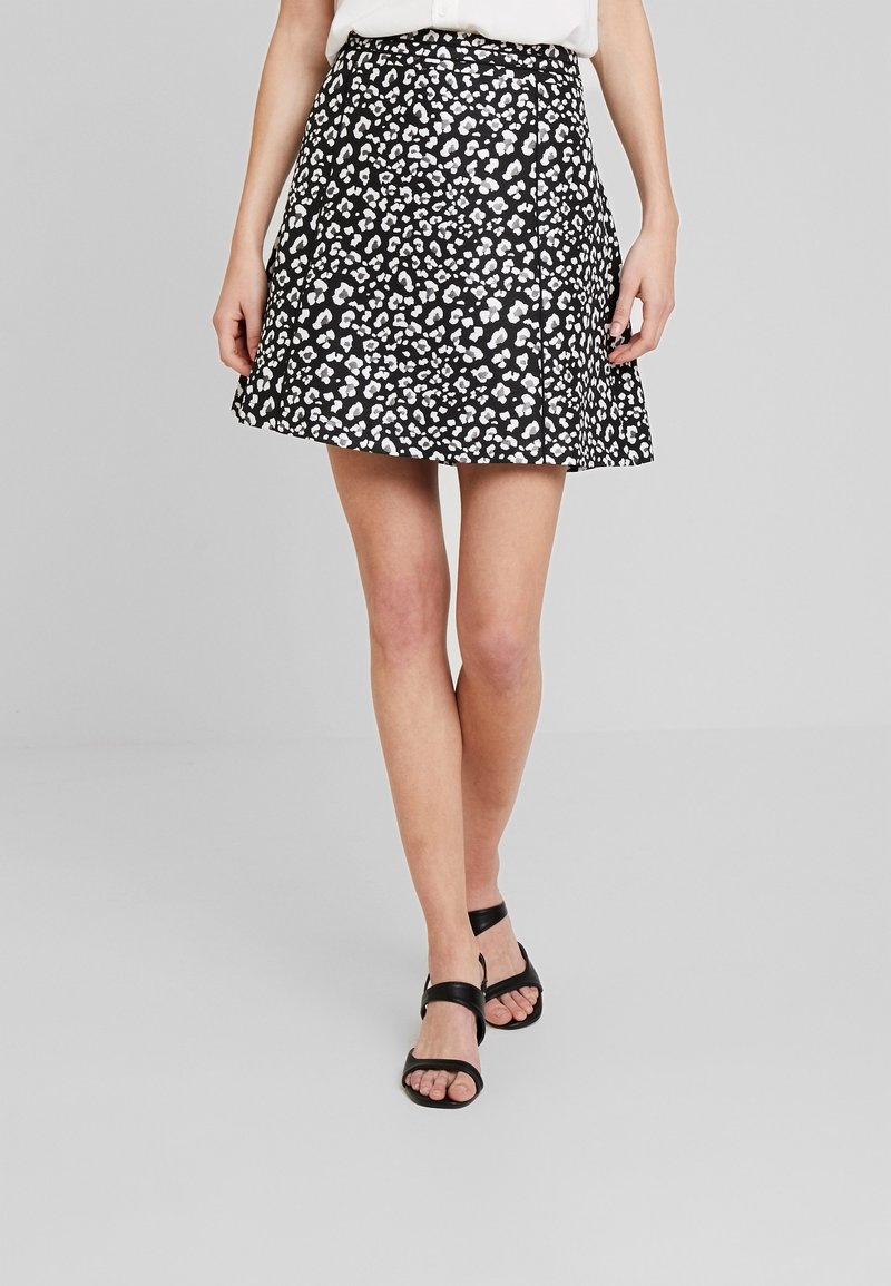 Esprit - PIPING - Falda acampanada - black