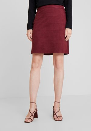 MINI SKIRT - Falda acampanada - bordeaux red