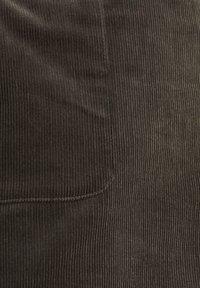 Esprit - MIT FRONTTASCHEN - A-snit nederdel/ A-formede nederdele - khaki green - 5