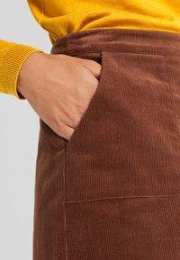 Esprit - MIT FRONTTASCHEN - Jupe trapèze - dark brown - 5
