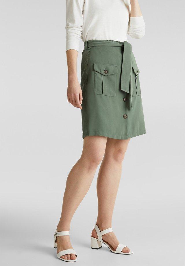 ROCK-SHORTS IM UTILITY-LOOK - Shorts - khaki green