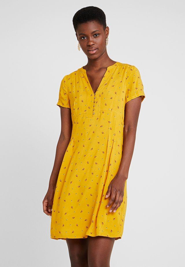 FLUENT - Skjortklänning - brass yellow