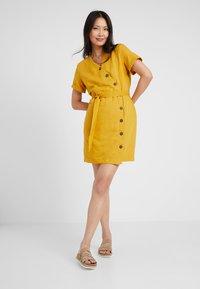 Esprit - Abito a camicia - brass yellow - 2