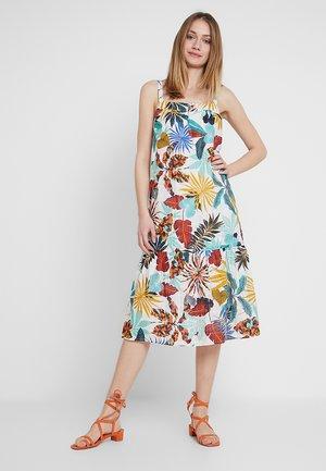 STRUCTURED - Denní šaty - off white