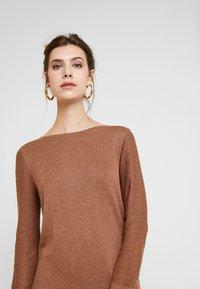 Esprit - DRESS - Strikket kjole - caramel - 4