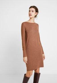Esprit - DRESS - Strikket kjole - caramel - 0