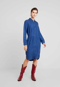 Esprit - DRESS - Spijkerjurk - blue medium wash - 1