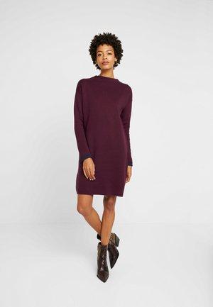 DRESS - Jumper dress - garnet red