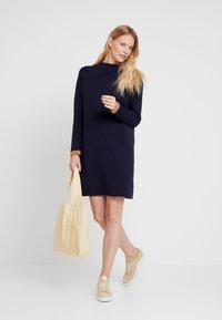 Esprit - DRESS - Pletené šaty - navy - 2