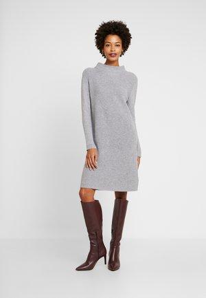 DRESS - Gebreide jurk - medium grey