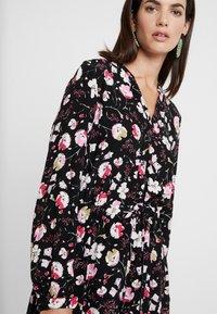 Esprit - PRINT DRESS - Skjortekjole - black - 6