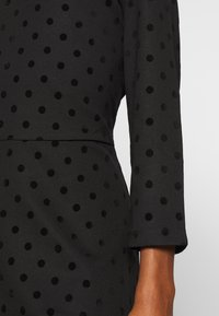 Esprit - FLOCK DRESS - Jerseykjole - black - 5