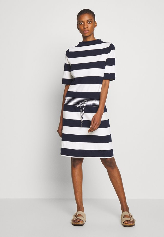 JERSEY-KLEID MIT STREIFEN,100%BAUMWOLLE - Sukienka z dżerseju - navy