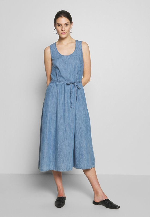 DRESS - Vestido informal - blue light wash