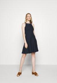 Esprit - Sukienka z dżerseju - navy - 0