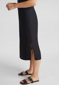 Esprit - KLEID MIT KNOPFLEISTE, 100% BAUMWOLLE - Korte jurk - black - 4