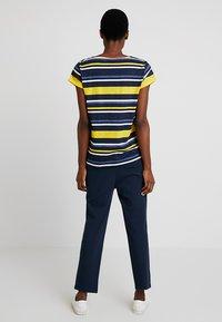 Esprit - T-Shirt print - yellow - 2