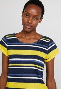 Esprit - T-Shirt print - yellow - 3