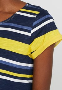 Esprit - T-Shirt print - yellow - 5