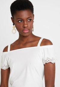 Esprit - POM POM TEE - T-shirt imprimé - off white - 3