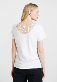Esprit - TWISTED BACK - T-shirts med print - white - 2