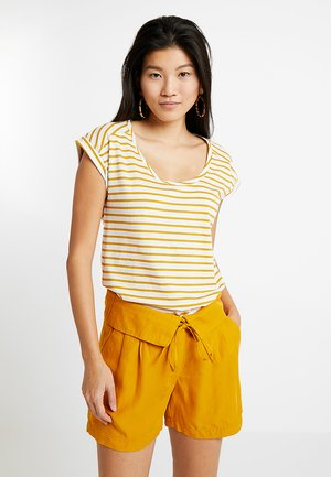 BOYFRIEND - Print T-shirt - brass yellow