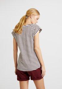 Esprit - BOYFRIEND - Print T-shirt - bordeaux red - 2